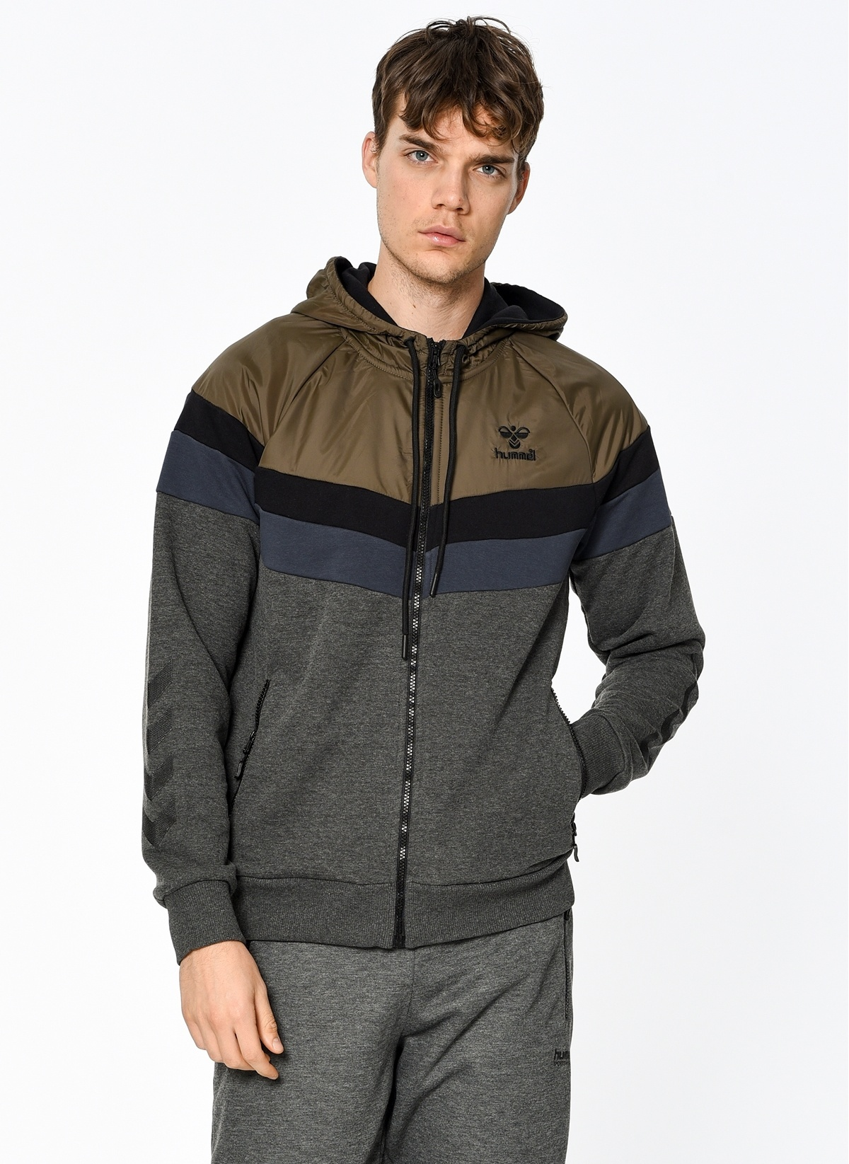 Hummel Fermuarlı Kapüşonlu Sweatshirt T37320-2508 August Zip Hoodie – 229.95 TL